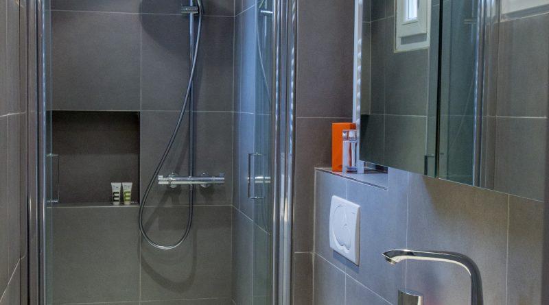 mini salle d 39 eau 2m2 altoservices. Black Bedroom Furniture Sets. Home Design Ideas