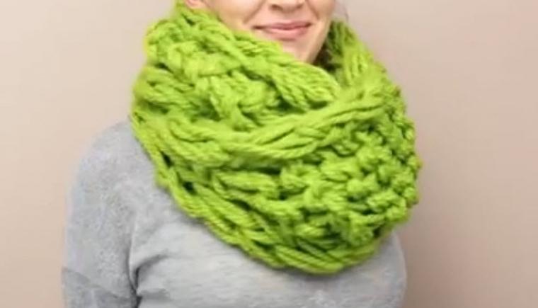 Tricoter une echarpe avec les mains - altoservices 8fd37d7447b