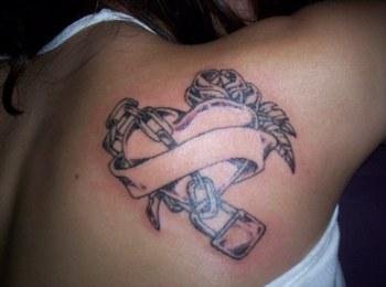 Tattoo omoplate